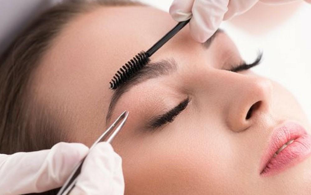 Curso-de-design-de-sobrancelhas-e-micropigmentação